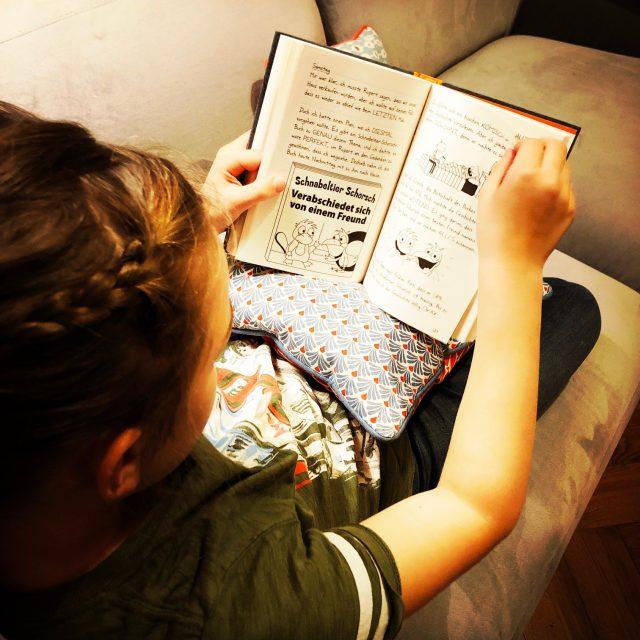 Leselieblinge zu Weihnachten: Ava liest Gregs Tasgebuch 14