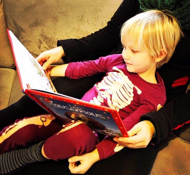 Leselieblinge zu Weihnachten: Charlie liest Leo Lausemaus zu Weihnachten